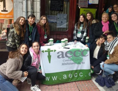 Alumnos de 3ºESO voluntarios por la AECC